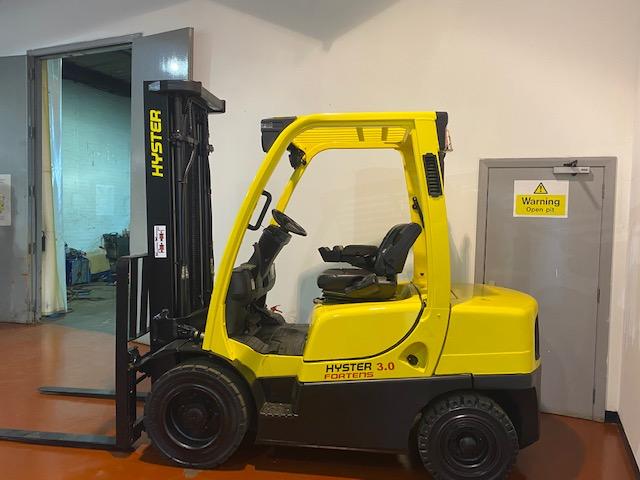 used hyster diesel forklift